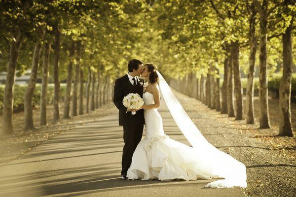Бляскаво сватбено изложение събира бъдещи младоженци на Флората