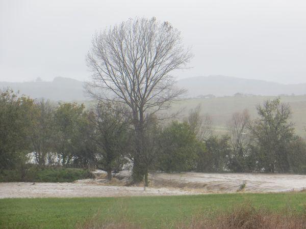 Обявиха бедствено положение в област Бургас, валежите достигнаха 200 литра на квадратен метър